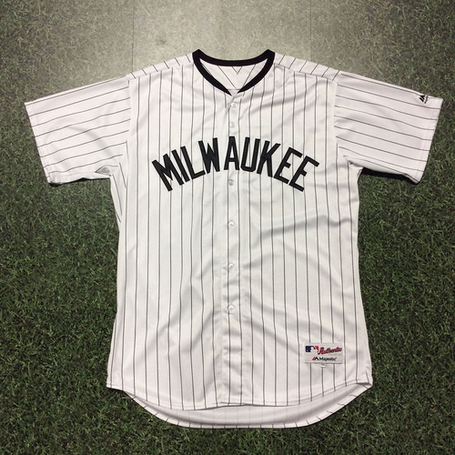 Photo of Marcus Hanel 2017 Milwaukee Bears Game-Used Jersey