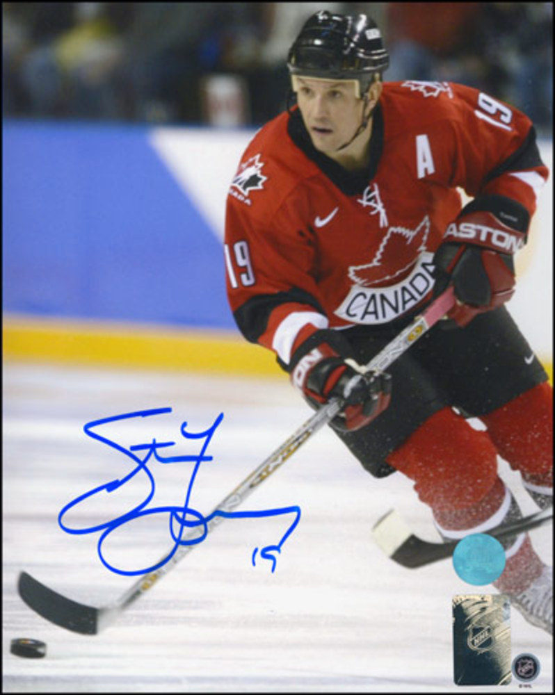 STEVE YZERMAN Autographed Team Canada 2002 Olympic Games 8x10 Photo