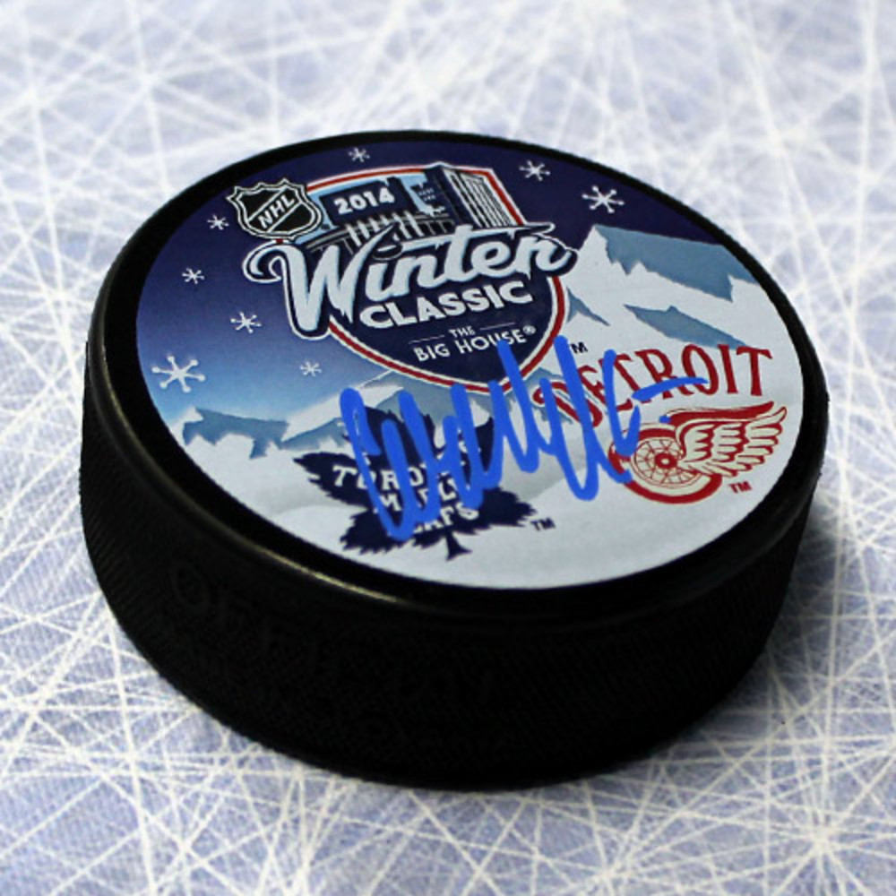 WENDEL CLARK Toronto Maple Leafs Autographed 2014 Winter Classic Puck