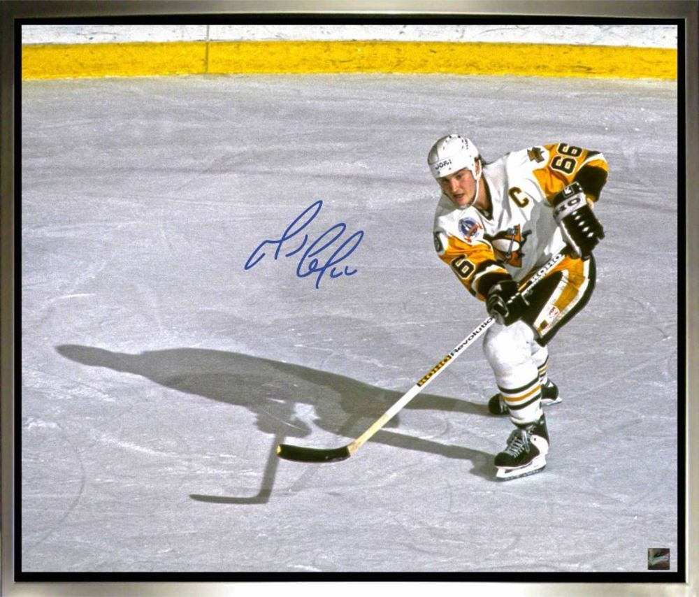Mario Lemieux - Signed & Framed 20x24 Canvas - Pittsburgh Overhead Image