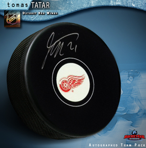 TOMAS TATAR Signed Detroit Red Wings Puck