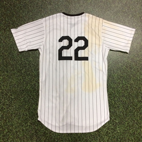 Photo of Christian Yelich 2018 Milwaukee Bears Game-Used Jersey - 17th HR of 2018