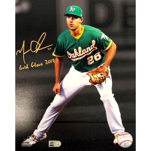 "Photo of Matt Olson Autographed 8""10"" Photo w/ ""Gold Glove 2019"" Inscription"