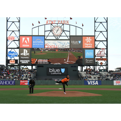 Photo of Giants Wives Auction: 7/29/2018 Giants First Pitch Experience