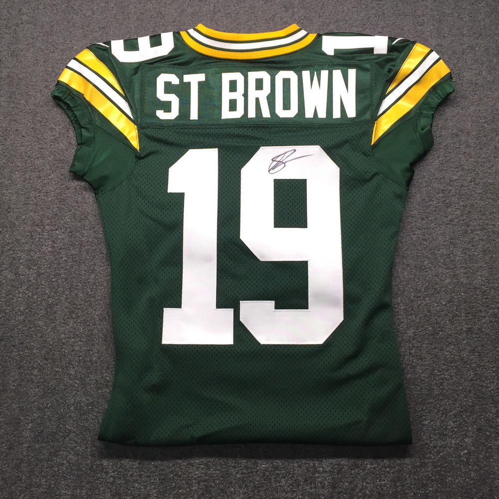 Crucial Catch - Packers Equanimeous St. Brown Signed Game issued Jersey Size 44 w/ 100 Seasons Patch