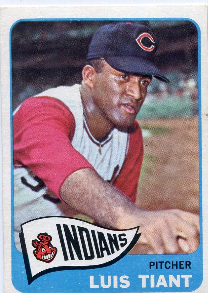 1965 Topps #145 Luis Tiant Rookie Card