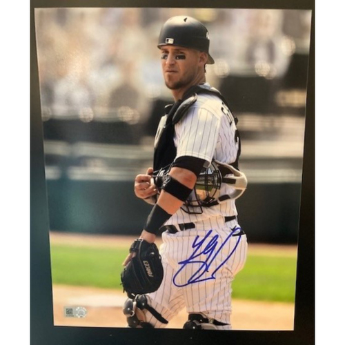 Yasmani Grandal Autographed Photo