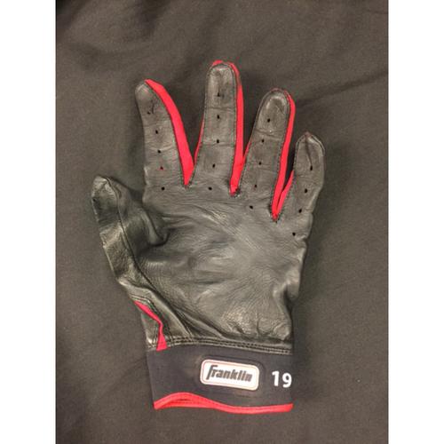 Photo of Joey Votto -- Team-Issued Batting Glove -- 2017 Season -- Cincinnati Reds