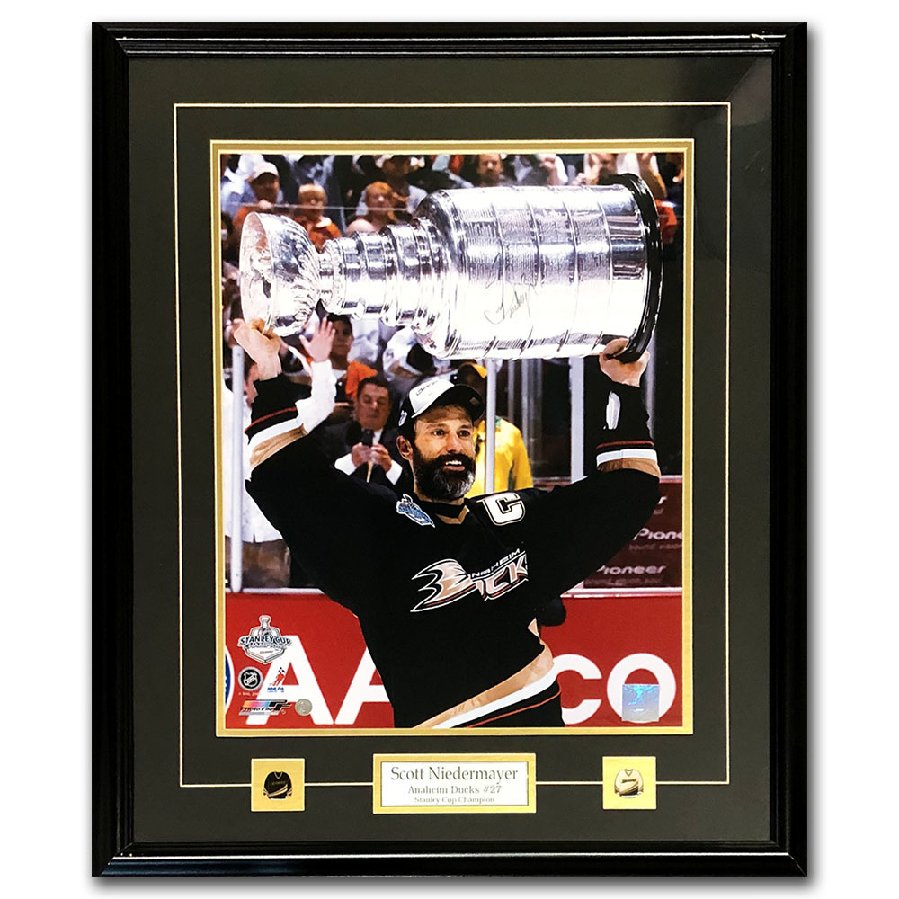 Scott Niedermayer Autographed Anaheim Ducks Framed 16X20 Photo