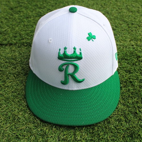 Team-Issued St. Patrick's Day Cap: Elier Hernandez