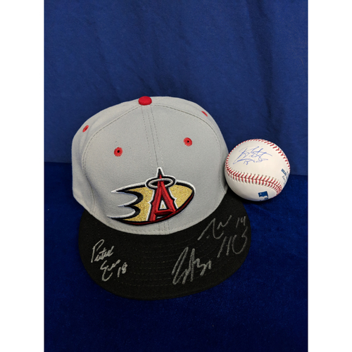 Photo of Anaheim Ducks Autographed Hat (Henrique, Eves, Gibson) and Baseball (Getzlaf, Kesler)