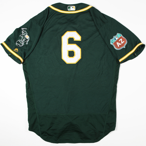 Photo of 2016  Spring Training -  Game-Used Jersey - Bob Melvin (A's) - Size 48