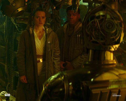 Rey, Finn and C-3PO