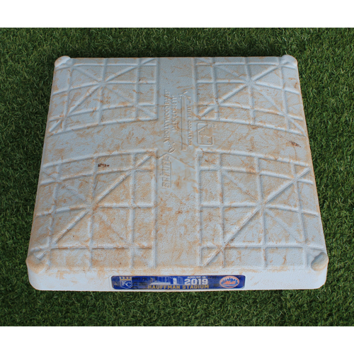 Game-Used 2nd Base: Pete Alonso NL Rookie Record 40th Home Run (Innings 6-9 - 8/18/19 - NYM @ KC)