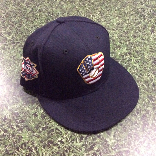 Photo of Christian Yelich Game-Used 2018 Stars & Stripes Cap