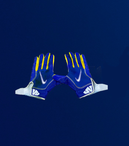 Photo of Cooper Kupp Game Used Gloves - (11/23/2020 VS. Tampa Bay Buccaneers)