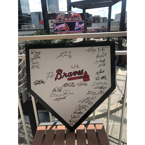 Photo of 2021 Atlanta Braves Team Signed Replica Home Plate