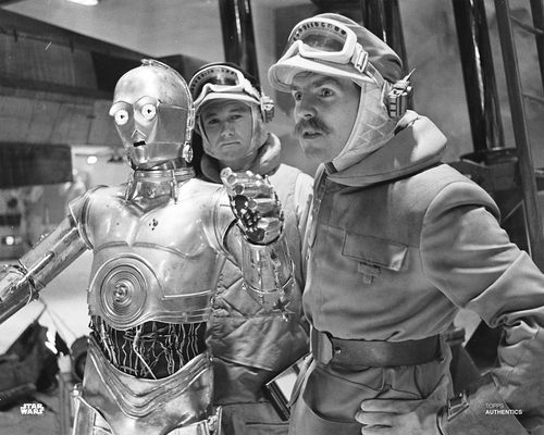 C-3PO and Major Bren Derlin