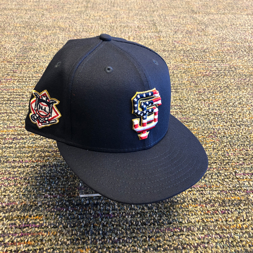 Photo of San Francisco Giants - 2018 Team Issued 4th of July Cap - #5 Nick Hundley - Size 7 3/8