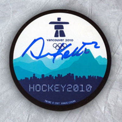 DUNCAN KEITH 2010 Olympic Hockey SIGNED Puck - Canada