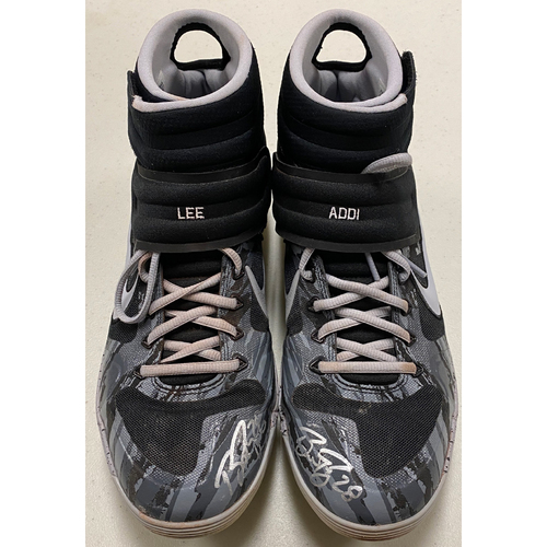 Photo of 2020 Black Friday Sale - #28 Buster Posey Team Issued Autographed Black & Gray Nike Cleats - Size 11.5