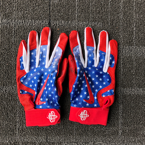 Photo of San Francisco Giants - #5 Nick Hundley Game-Used 4th of July Batting Gloves (Pair)
