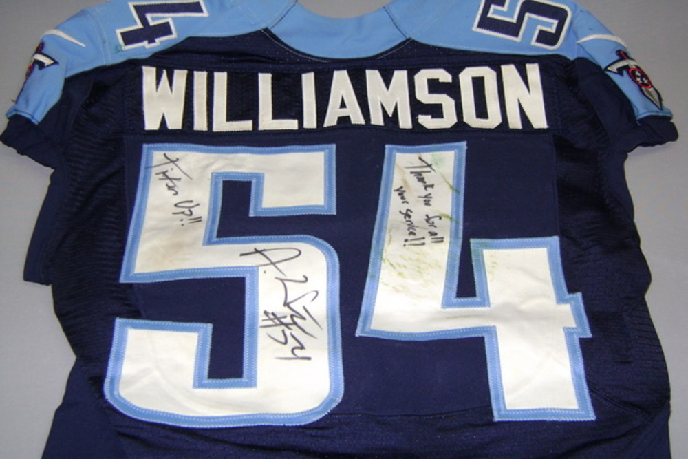 avery williamson titans jersey