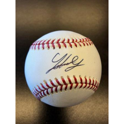 Photo of Giants End of Season Auction: Johnny Cueto Autographed Baseball