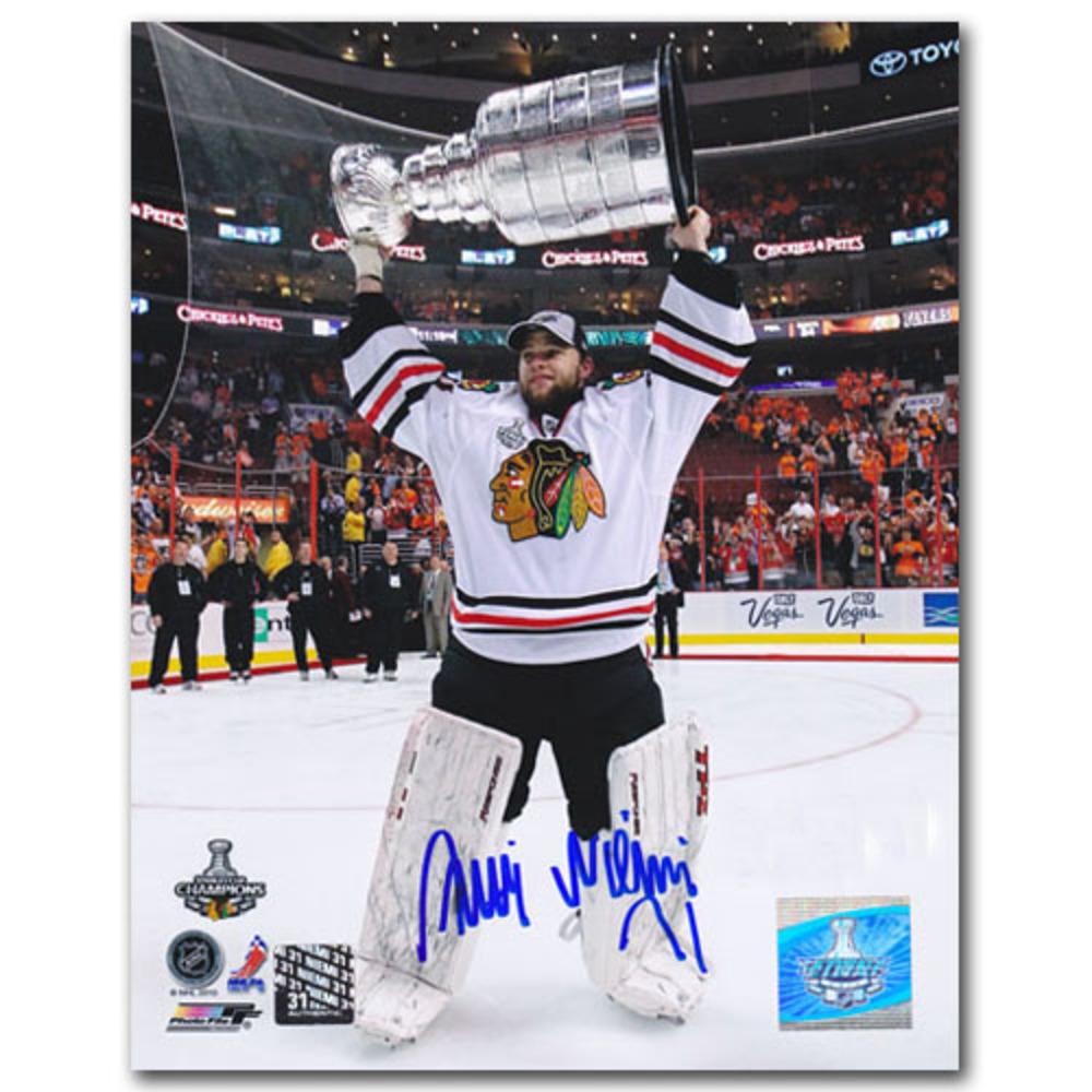 Antti Niemi Autographed Chicago Blackhawks 8X10 Photo