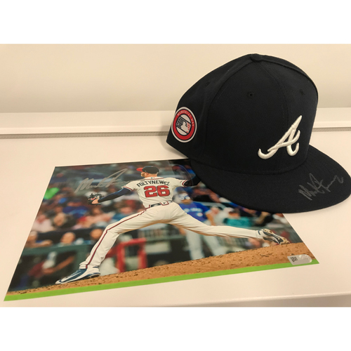 Photo of Mike Foltynewicz MLB Authenticated Autographed Photo And Hat