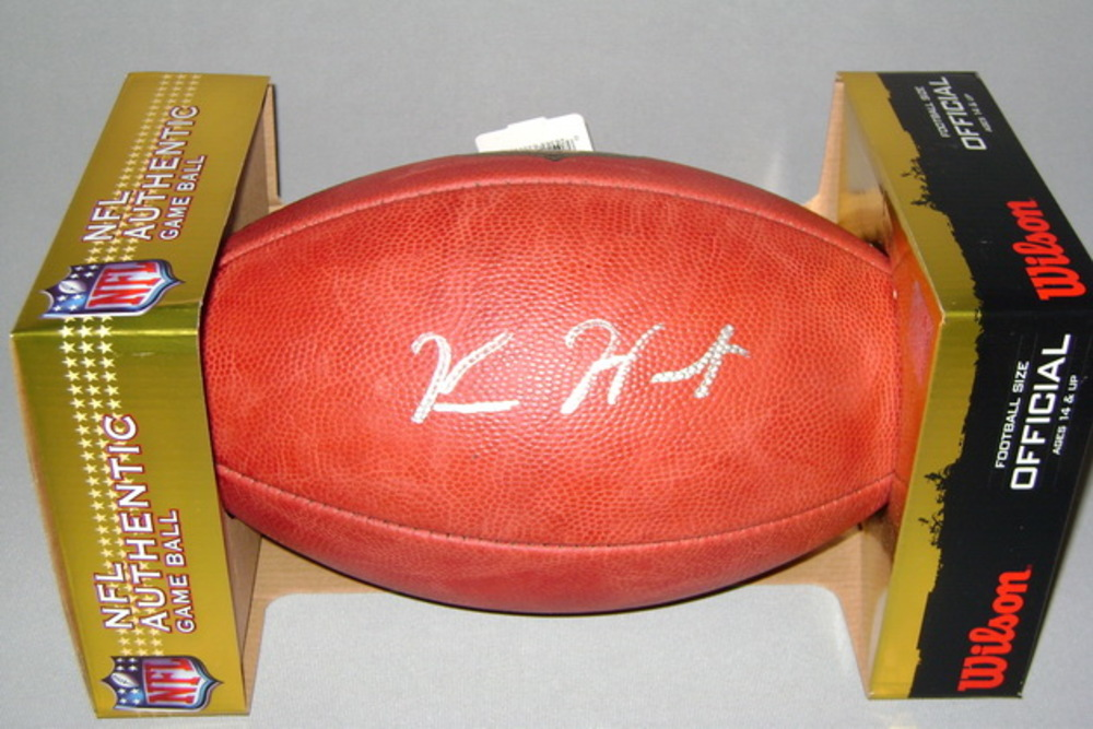 NFL - CHIEFS KAREEM HUNT SIGNED AUTHENTIC FOOTBALL
