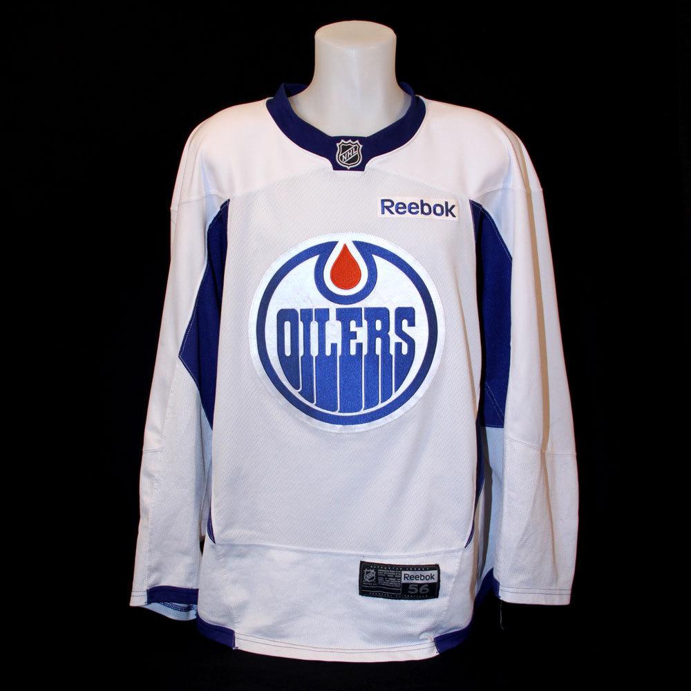 ... Connor McDavid 97 - Autographed 2015-16 Edmonton Oilers Trai Mid 1980s  Jari Kurri Edmonton Oilers Practice Worn Jersey ... ebae8c1a669