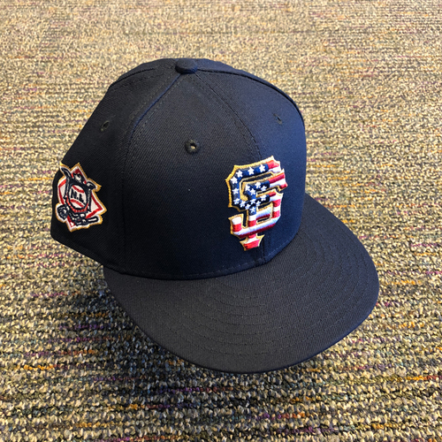 Photo of San Francisco Giants - 2018 Game-Used 4th of July Cap worn by #12 Joe Panik - Size 7 1/4