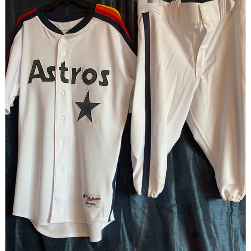 Photo of 2019 Turn-Back-The-Clock Jose Altuve Game-Used Uniform Package
