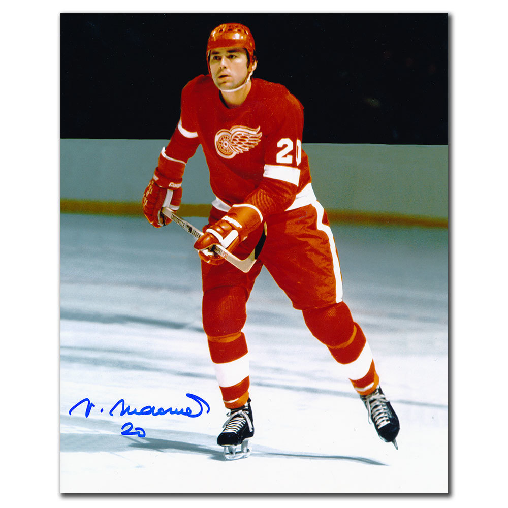 Vaclav Nedomansky Detroit Red Wings Autographed 8x10