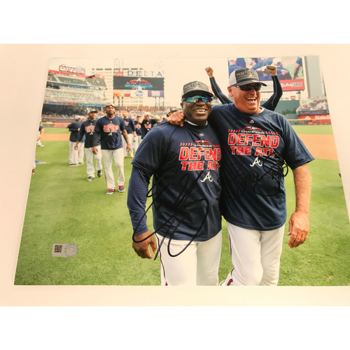 Photo of Brian Snitker And Eric Young 2018 NL East Celebration MLB Authenticated Autographed Photo