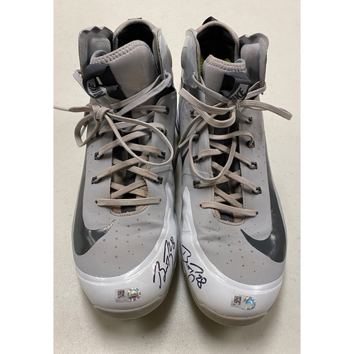 Photo of 2020 Cyber Monday Sale - #28 Buster Posey Team Issued Autographed Gray Nike Cleats - Size 11.5