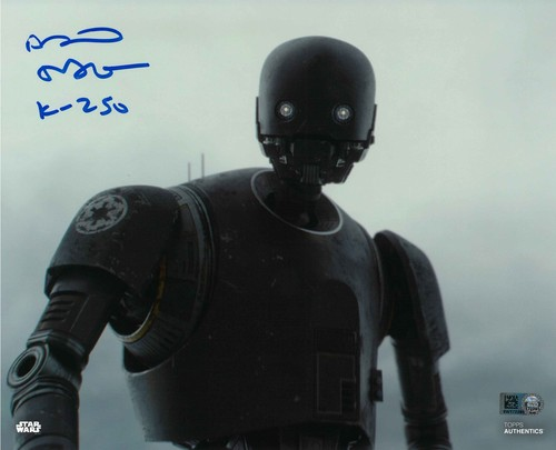 PREORDER Alan Tudyk As K-2SO 8X10 Autographed in Blue Ink Photo