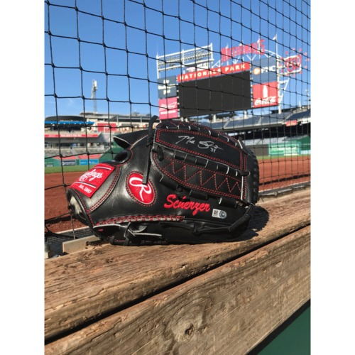 Photo of Max Scherzer Autographed Fielding Glove