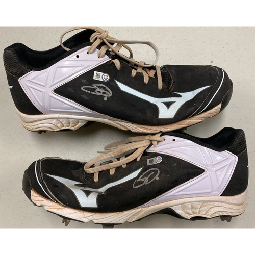 Photo of 2020 Cyber Monday Sale - #6 Steven Duggar Team Issued Autographed Black & White Mizuno Cleats - Size 12
