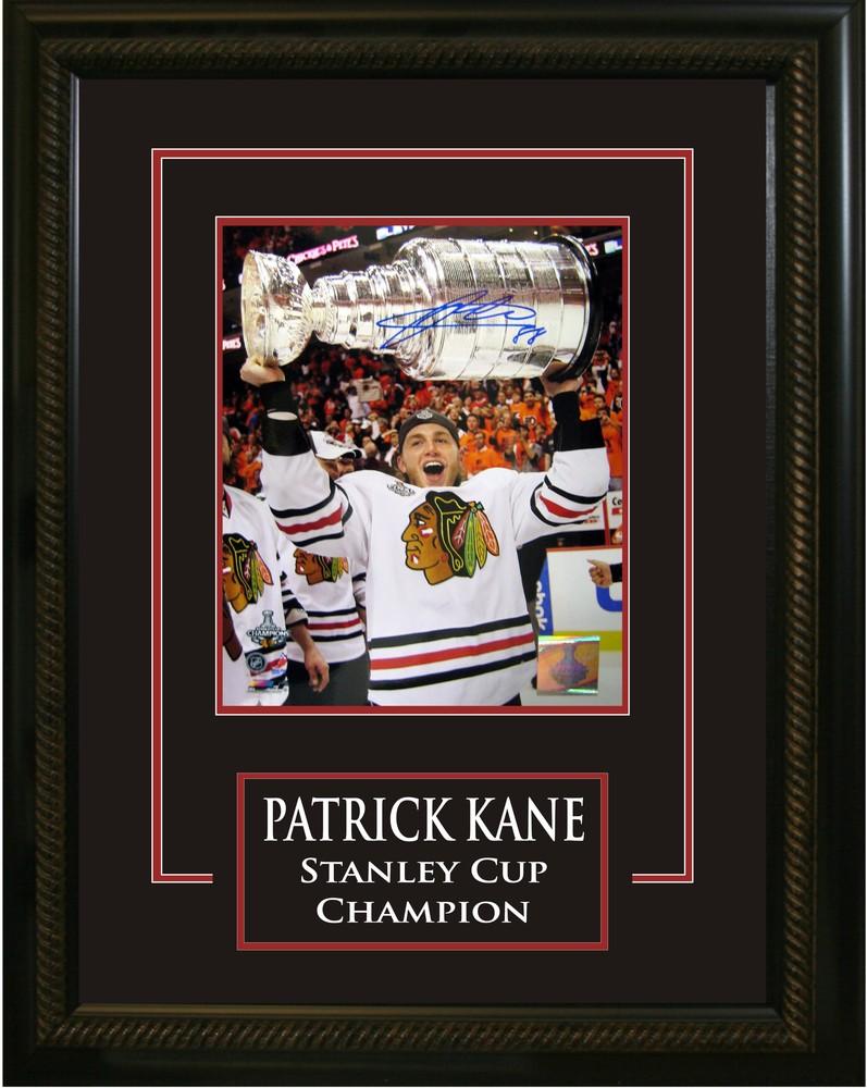 Patrick Kane - Signed & Framed 16x10