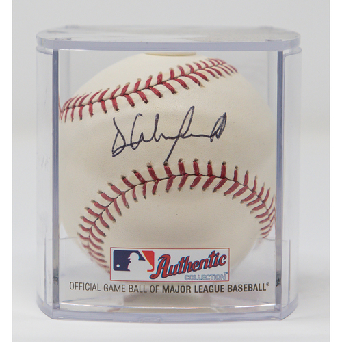 Photo of Dave Winfield Autographed Baseball