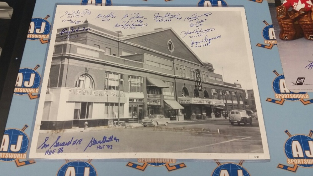 Montreal Forum Multi-Signed Montreal Canadiens 16X20 Photo *14 AUTOGRAPHS* *LAFLEUR, BELIVEAU, COURNOYER ETC* *Water Damage to Photo - Must Stay in Toploader*