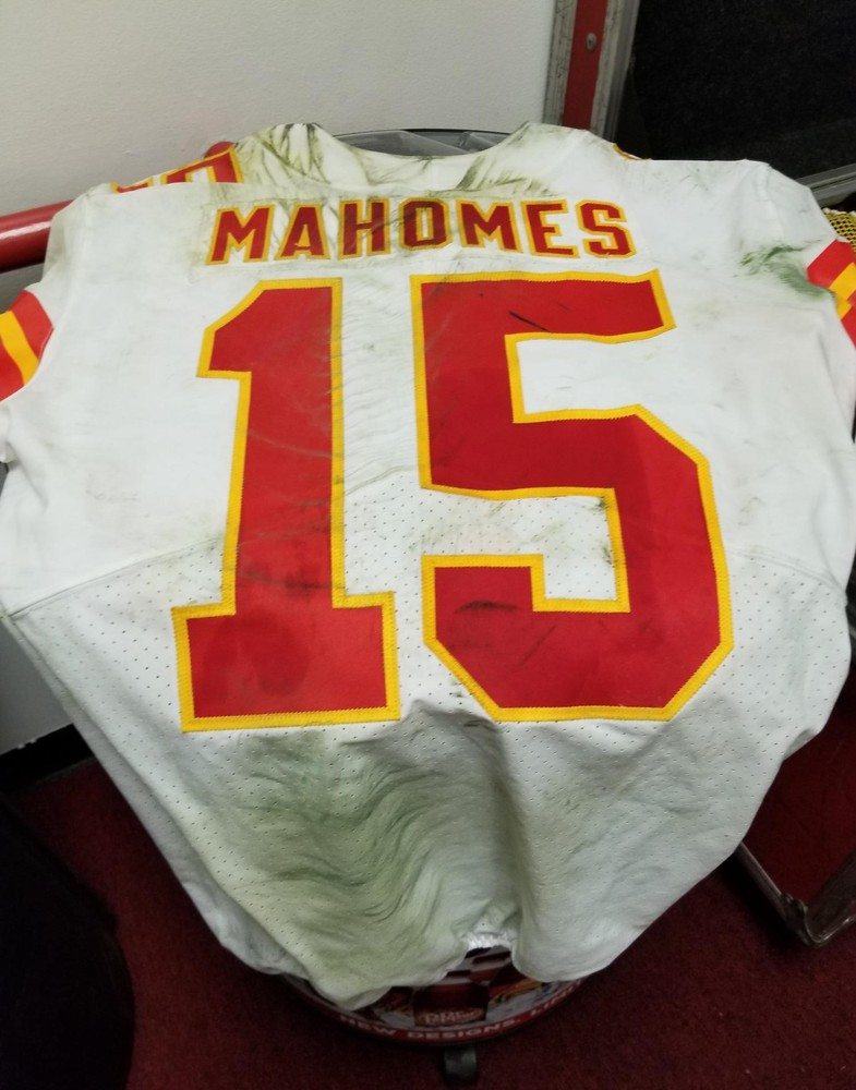 14f049f423a ... California WIldfire Relief- Chiefs Patrick Mahomes GAMEWORN JERSEY  (11/19/18) ...