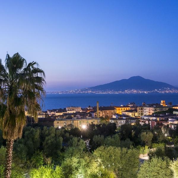 Click to view Explore Pompeii and Mount Vesuvius.