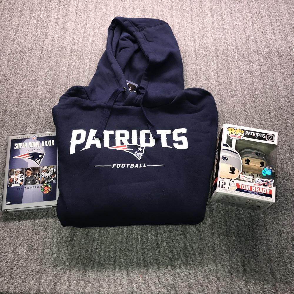 NFL - Patriots Bundle - NEW ENGLAND PATRIOTS SWEATSHIRT L + Tom Brady Funko Pop + Super Bowl 39 Patriots Champions DVD