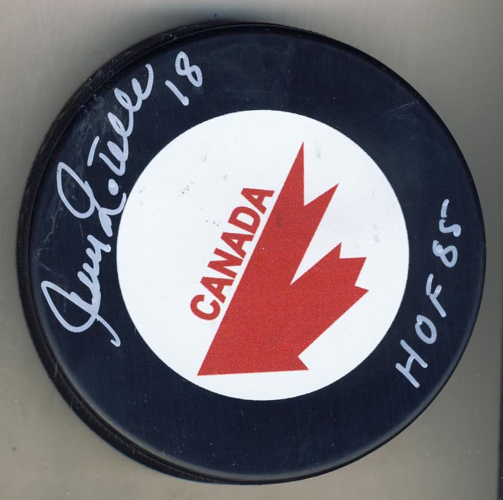 Jean Ratelle Team Canada Autographed Canada Cup Hockey Puck w/ HOF 85 Note