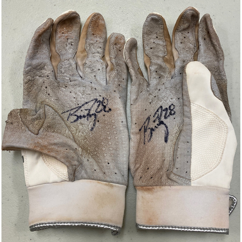 Photo of 2020 Cyber Monday Sale - #28 Buster Posey Team Issued Autographed White Marucci Batting Gloves