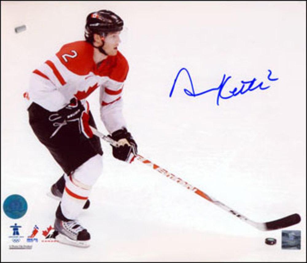 DUNCAN KEITH Autographed Team Canada 2010 Olympic Hockey 8x10 Photo