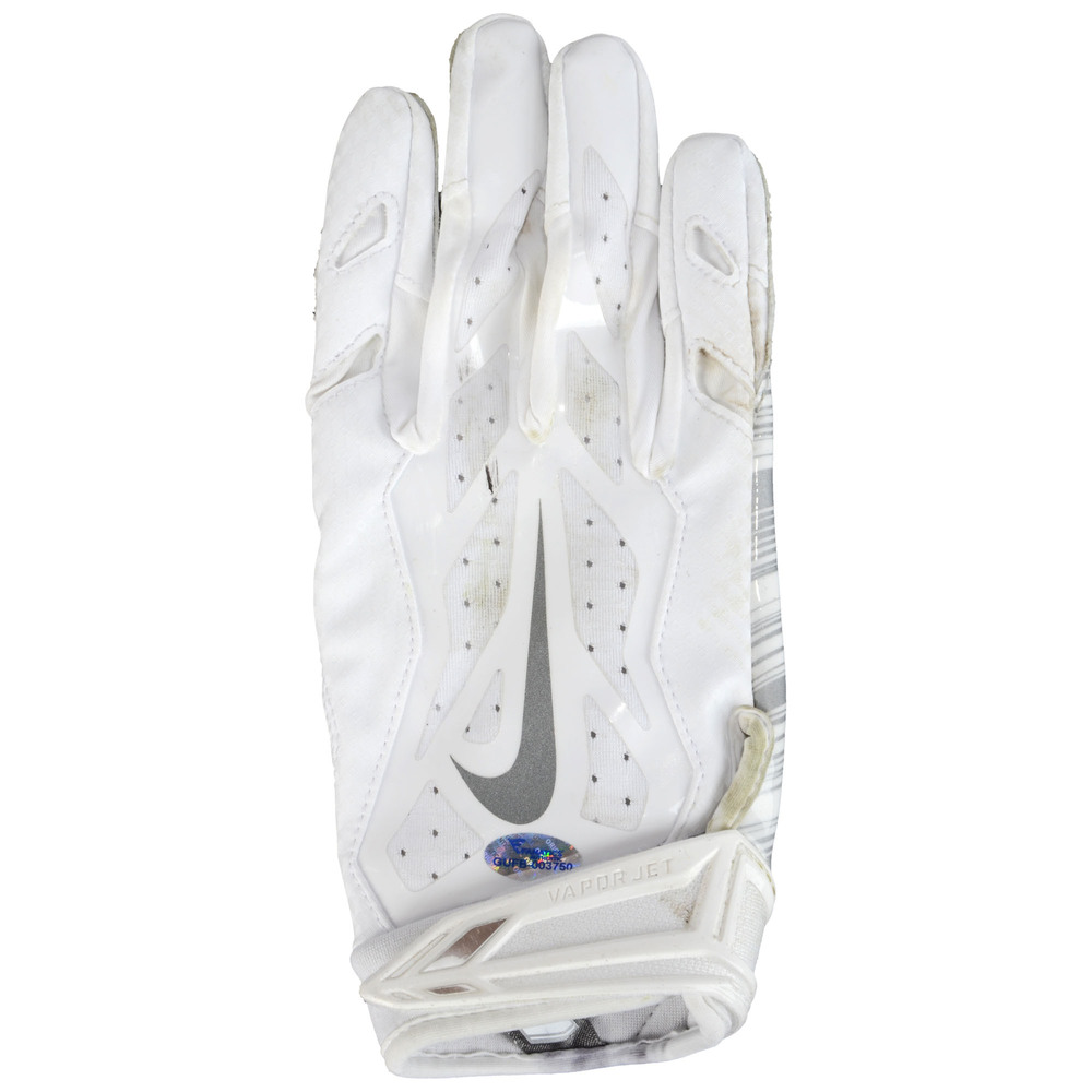 Kenjon Barner Philadelphia Eagles Game-Used White Nike Pair of Gloves vs Washington Redskins on December 26, 2015